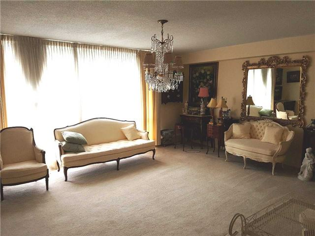 Condo Apartment at 454 Centre St, Unit 112, Oshawa, Ontario. Image 2