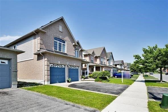 Detached at 806 Grand Ridge Ave N, Oshawa, Ontario. Image 1