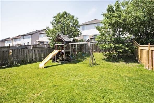 Detached at 806 Grand Ridge Ave N, Oshawa, Ontario. Image 6