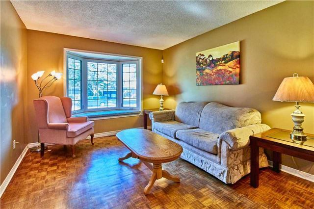 Detached at 56 Canadian Oaks Dr, Whitby, Ontario. Image 12