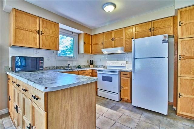Detached at 56 Canadian Oaks Dr, Whitby, Ontario. Image 15