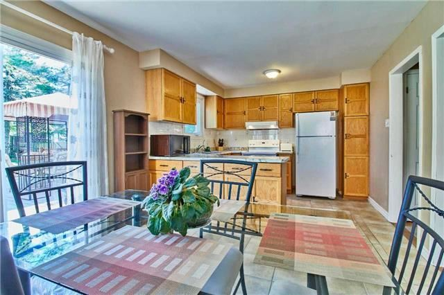 Detached at 56 Canadian Oaks Dr, Whitby, Ontario. Image 16