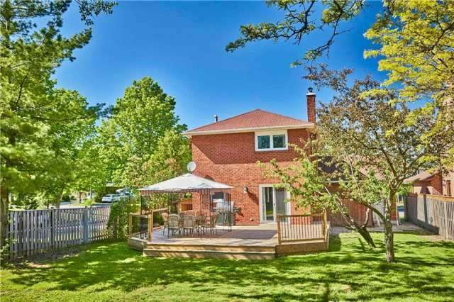 Detached at 56 Canadian Oaks Dr, Whitby, Ontario. Image 6
