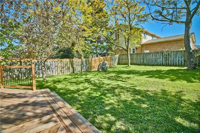 Detached at 56 Canadian Oaks Dr, Whitby, Ontario. Image 7