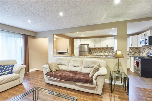 Detached at 107 Clements Rd E, Ajax, Ontario. Image 13