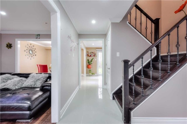 Detached at 40 Whistling Hills Dr, Toronto, Ontario. Image 12