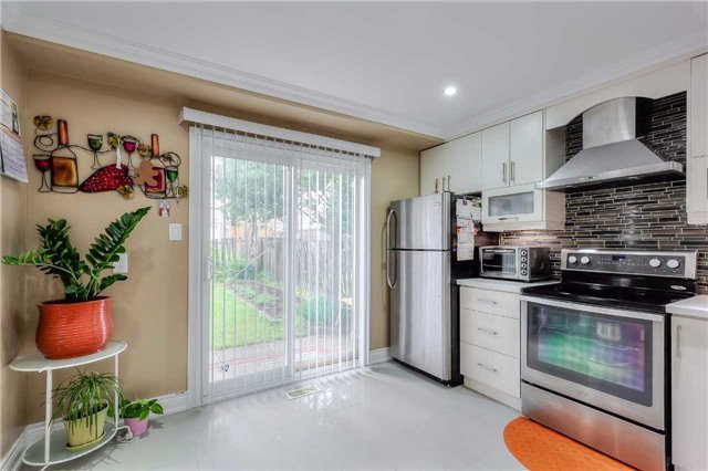 Detached at 40 Whistling Hills Dr, Toronto, Ontario. Image 20