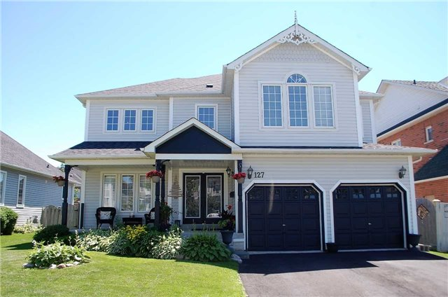 Detached at 127 Carnwith Dr E, Whitby, Ontario. Image 1