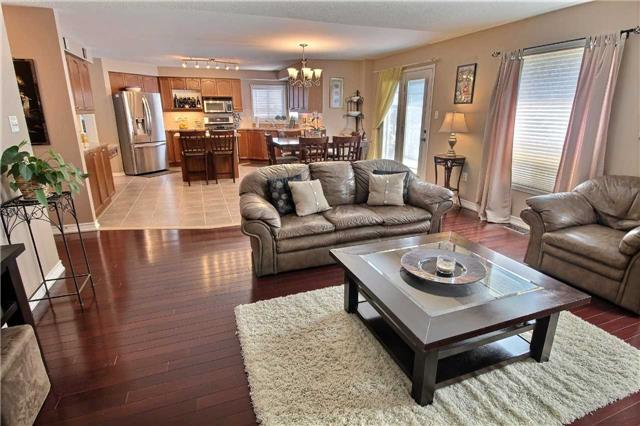 Detached at 127 Carnwith Dr E, Whitby, Ontario. Image 19