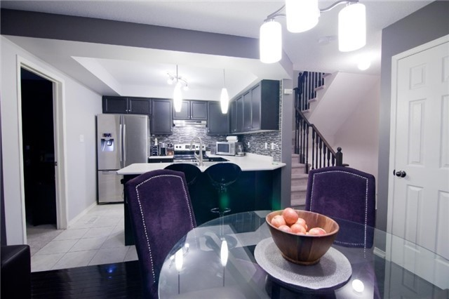 Townhouse at 39 Chaston Rd, Ajax, Ontario. Image 5