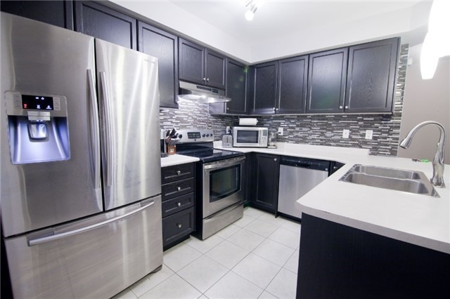Townhouse at 39 Chaston Rd, Ajax, Ontario. Image 6