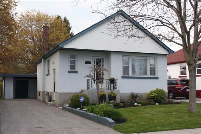 Detached at 208 St. Peter St, Whitby, Ontario. Image 1