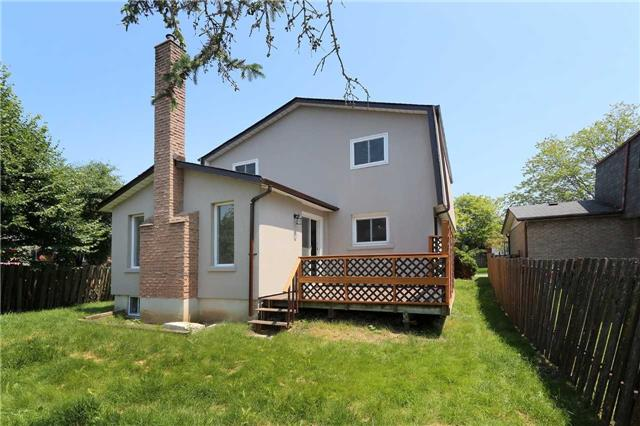 Detached at 12 Chopin Crt, Whitby, Ontario. Image 11
