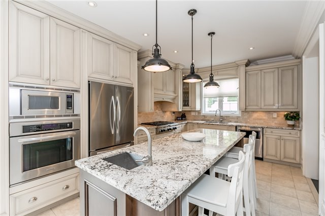 Detached at 32 Bellhouse Pl, Whitby, Ontario. Image 19