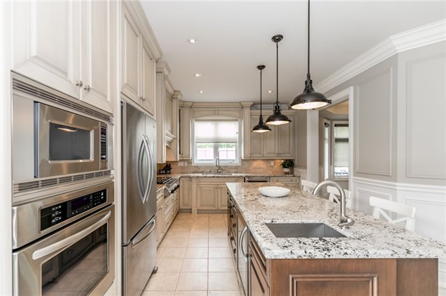 Detached at 32 Bellhouse Pl, Whitby, Ontario. Image 20