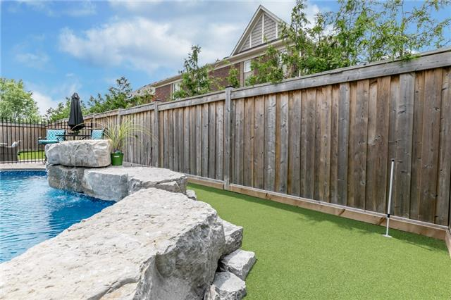 Detached at 32 Bellhouse Pl, Whitby, Ontario. Image 10