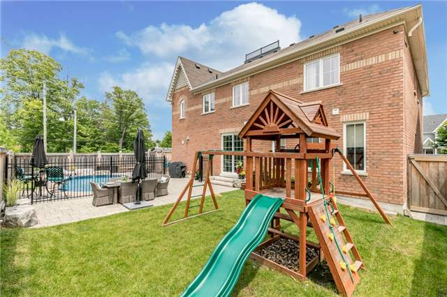 Detached at 32 Bellhouse Pl, Whitby, Ontario. Image 13