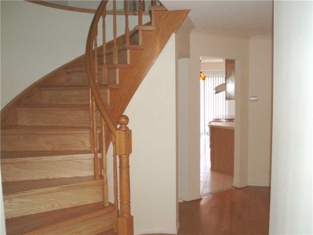 Detached at 14 Becca Hall Tr, Toronto, Ontario. Image 14