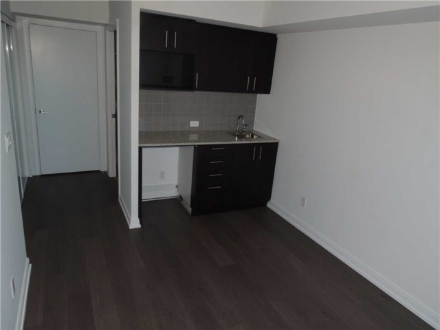 Condo Apartment at 255 Village Green Sq, Unit 2311, Toronto, Ontario. Image 3