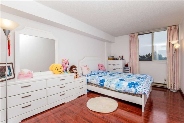 Condo Apartment at 150 Alton Towers Circ, Unit 311, Toronto, Ontario. Image 9
