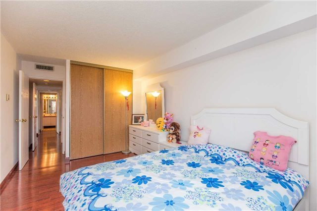 Condo Apartment at 150 Alton Towers Circ, Unit 311, Toronto, Ontario. Image 10