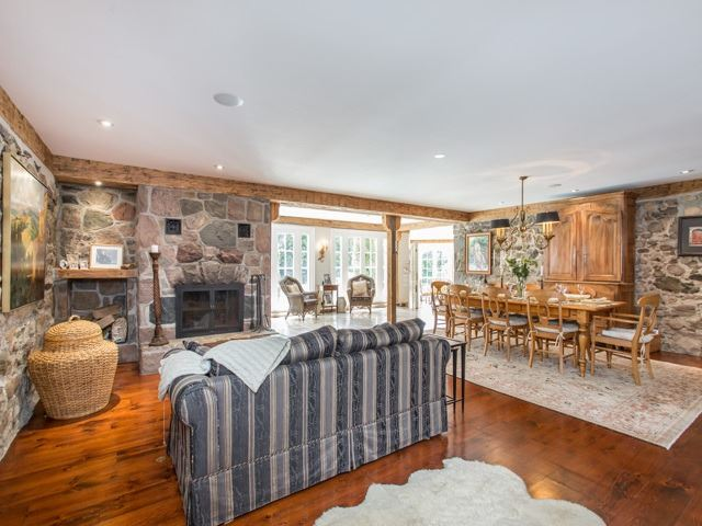 Detached at 68 Crows Pass Rd, Scugog, Ontario. Image 3