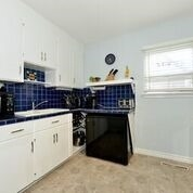 Detached at 7 Merryfield Dr, Toronto, Ontario. Image 3