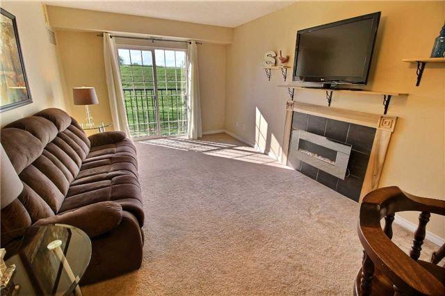 Condo Apartment at 90 Aspen Springs Dr, Unit 109, Clarington, Ontario. Image 3