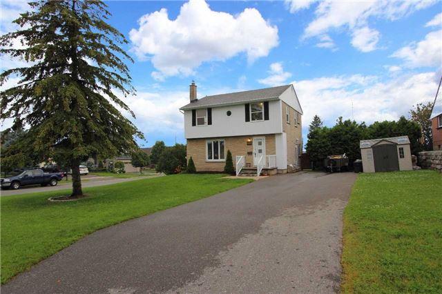 Detached at 484 Lawlor Ave, Oshawa, Ontario. Image 1