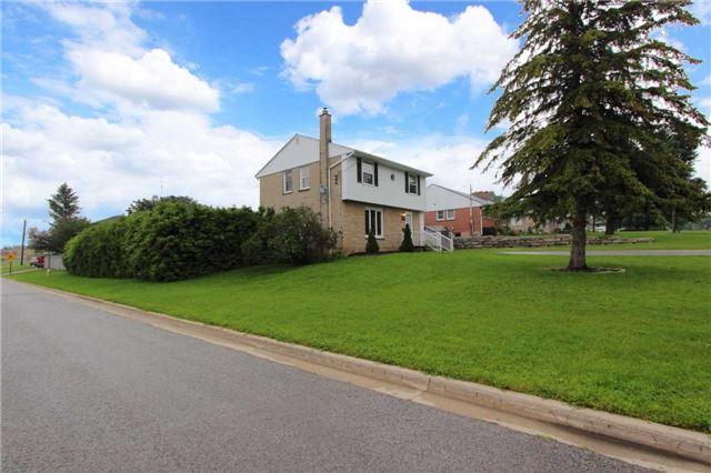 Detached at 484 Lawlor Ave, Oshawa, Ontario. Image 12