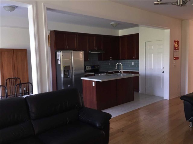 Detached at 51 Stockell Cres, Ajax, Ontario. Image 19