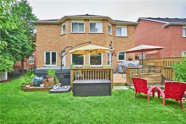 Detached at 9 Sato St, Whitby, Ontario. Image 11