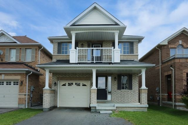 Detached at 35 Kirkland Pl, Whitby, Ontario. Image 1