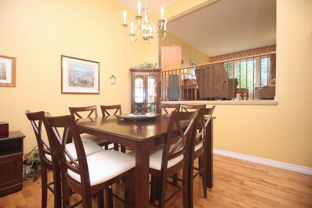 Detached at 17 Muir Cres, Whitby, Ontario. Image 18