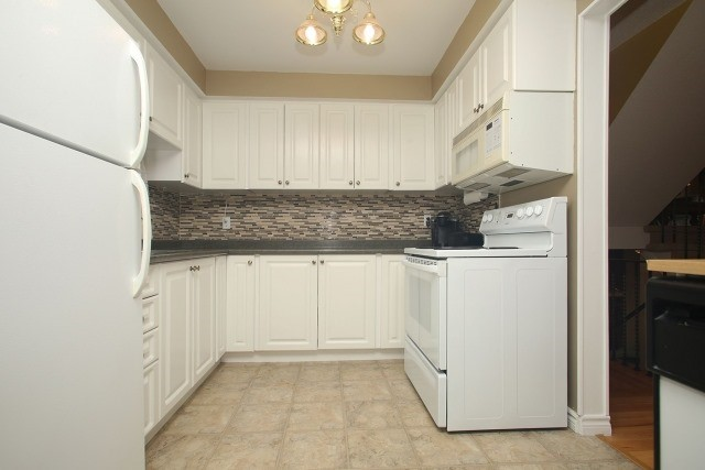 Detached at 17 Muir Cres, Whitby, Ontario. Image 20