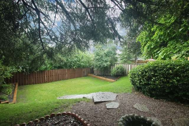 Detached at 17 Muir Cres, Whitby, Ontario. Image 10
