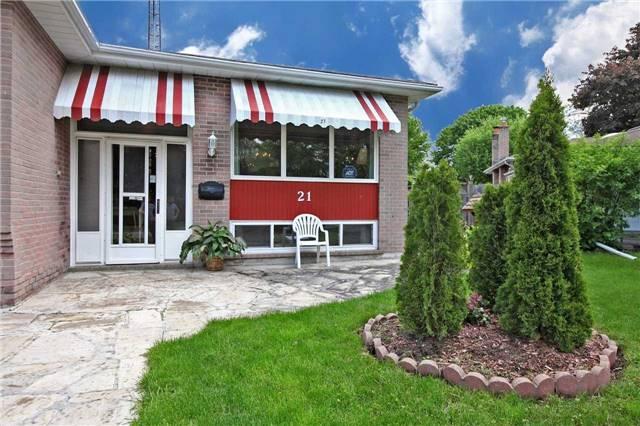 Detached at 21 Gillbank Cres, Toronto, Ontario. Image 13