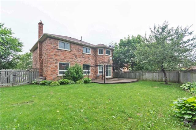 Detached at 14 Wyndfield Cres, Whitby, Ontario. Image 13