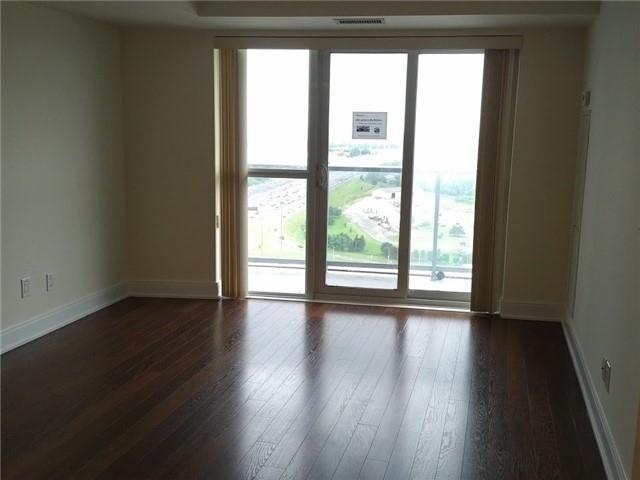 Condo Apartment at 135 Village Green Sq, Unit 3020, Toronto, Ontario. Image 8