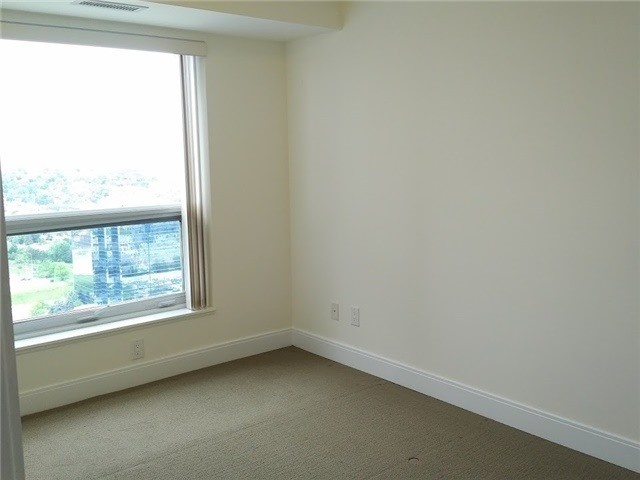 Condo Apartment at 135 Village Green Sq, Unit 3020, Toronto, Ontario. Image 9