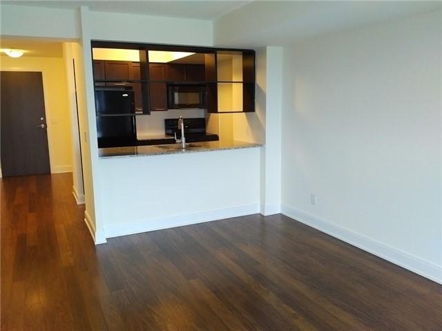 Condo Apartment at 135 Village Green Sq, Unit 3020, Toronto, Ontario. Image 12