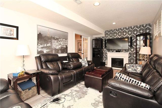 Detached at 1562 Garland Cres, Pickering, Ontario. Image 4