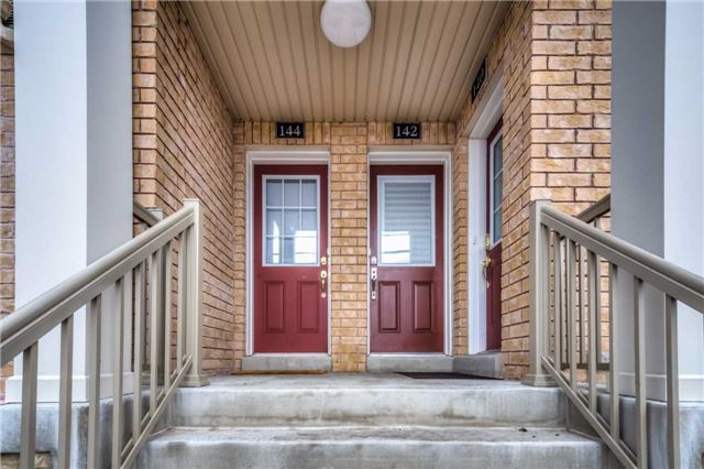 Condo Townhouse at 142 Kingston Rd W, Ajax, Ontario. Image 4