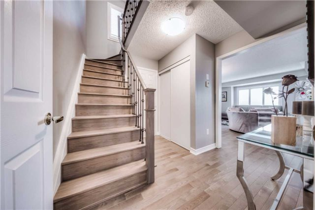 Condo Townhouse at 142 Kingston Rd W, Ajax, Ontario. Image 5