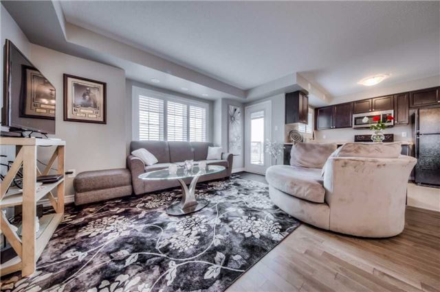 Condo Townhouse at 142 Kingston Rd W, Ajax, Ontario. Image 6