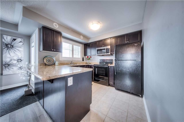 Condo Townhouse at 142 Kingston Rd W, Ajax, Ontario. Image 8