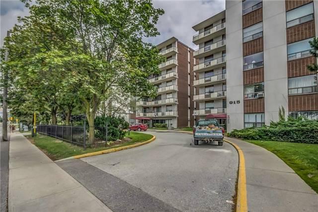 Condo Apartment at 915 Midland Ave, Unit 703, Toronto, Ontario. Image 1