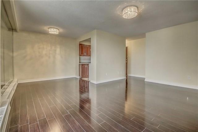 Condo Apartment at 915 Midland Ave, Unit 703, Toronto, Ontario. Image 17