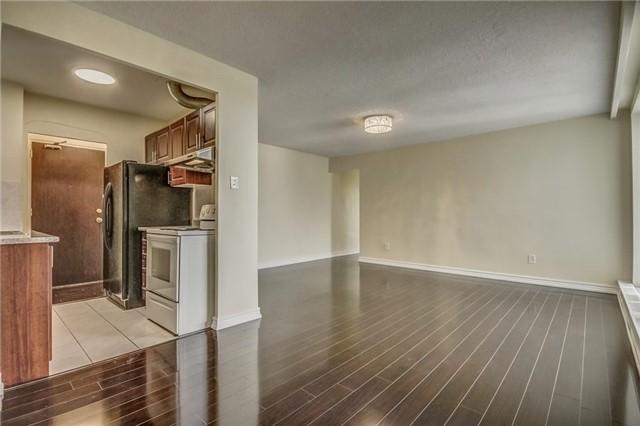 Condo Apartment at 915 Midland Ave, Unit 703, Toronto, Ontario. Image 18
