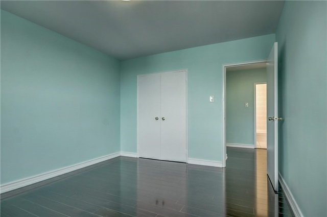 Condo Apartment at 915 Midland Ave, Unit 703, Toronto, Ontario. Image 5